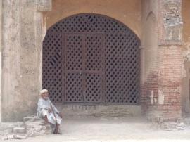 Lahore Fort Elder (2010)